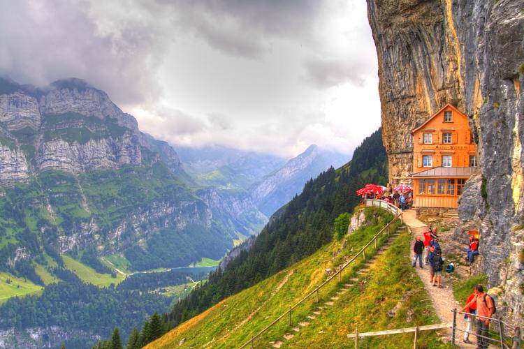 Resultado de imagen de ascher cliff suiza