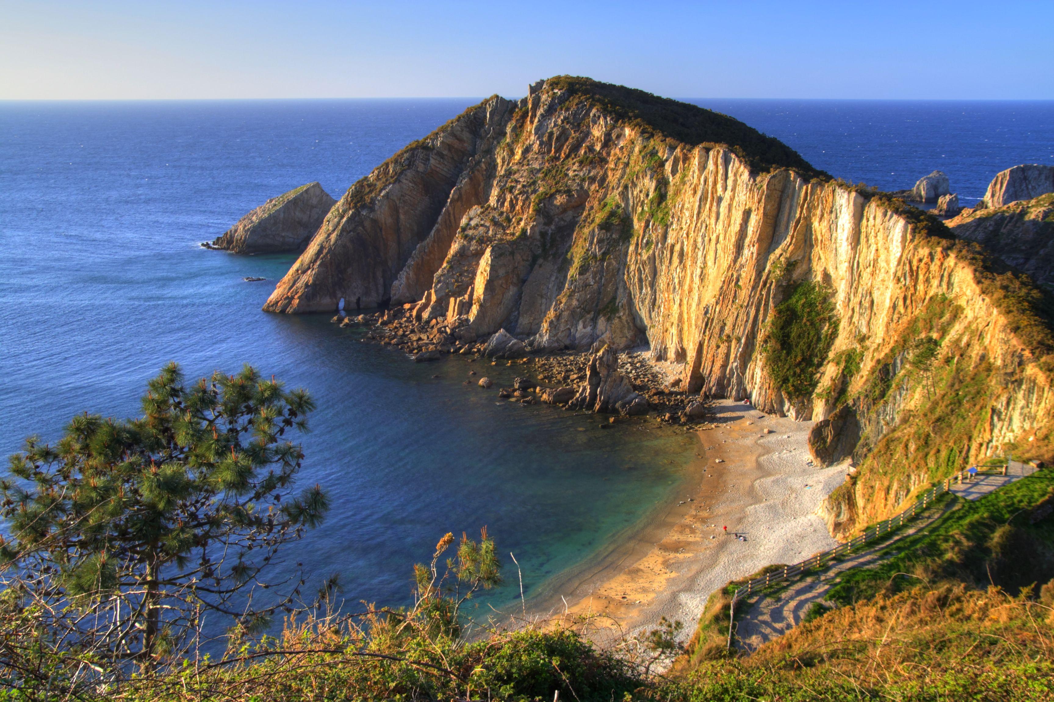 Una playa de película: la playa del Silencio en Asturias | Drupal