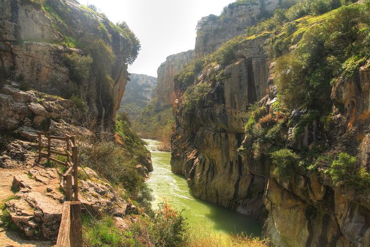 Foz de Lumbier en Navarra | TravelEchoes
